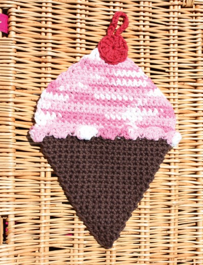 Lily Ice Cream Dishcloth, Crochet Pattern Yarnspirations