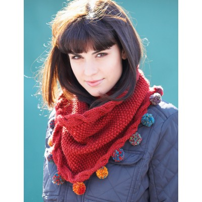 Cabled Cowl w Pompom Edge