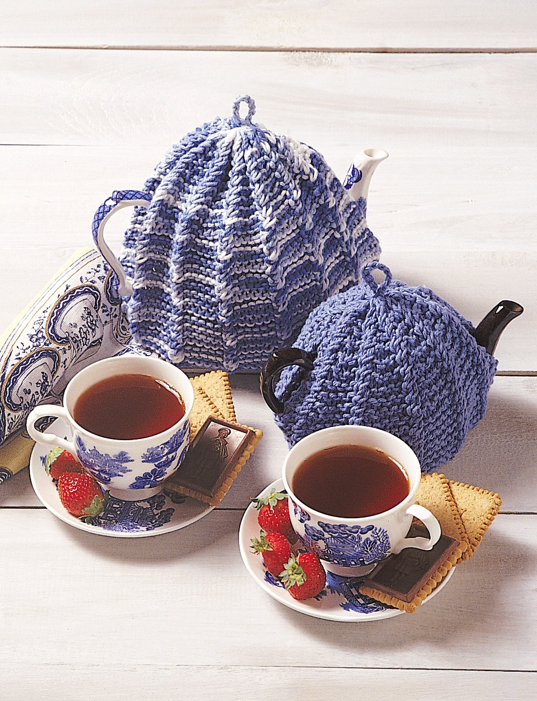 Traditional Tea Cosy Knitting Pattern : Tea Cosy - Patterns Yarnspirations