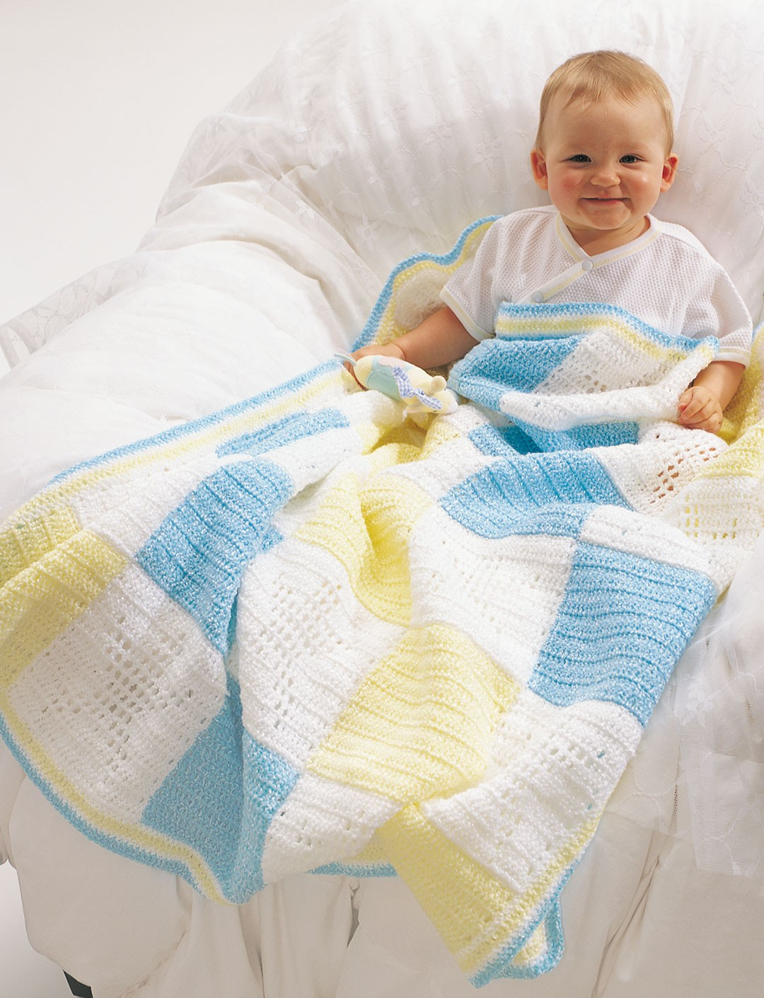 Star Baby Blanket Knitting Pattern : Twinkle Little Star Blanket - Patterns Yarnspirations