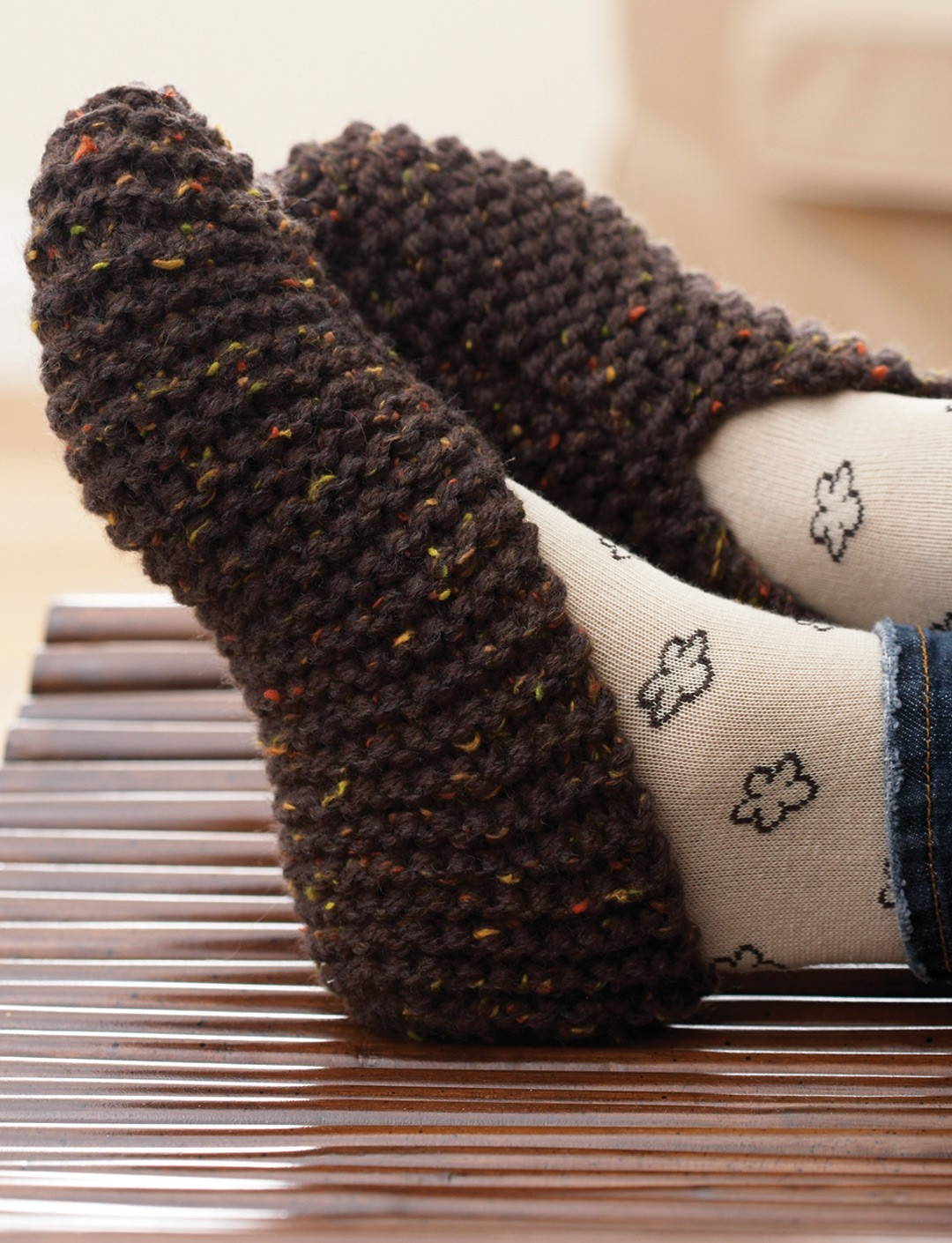 Knitting Pattern For Chunky Slippers : Basic Chunky Slipper - Patterns Yarnspirations