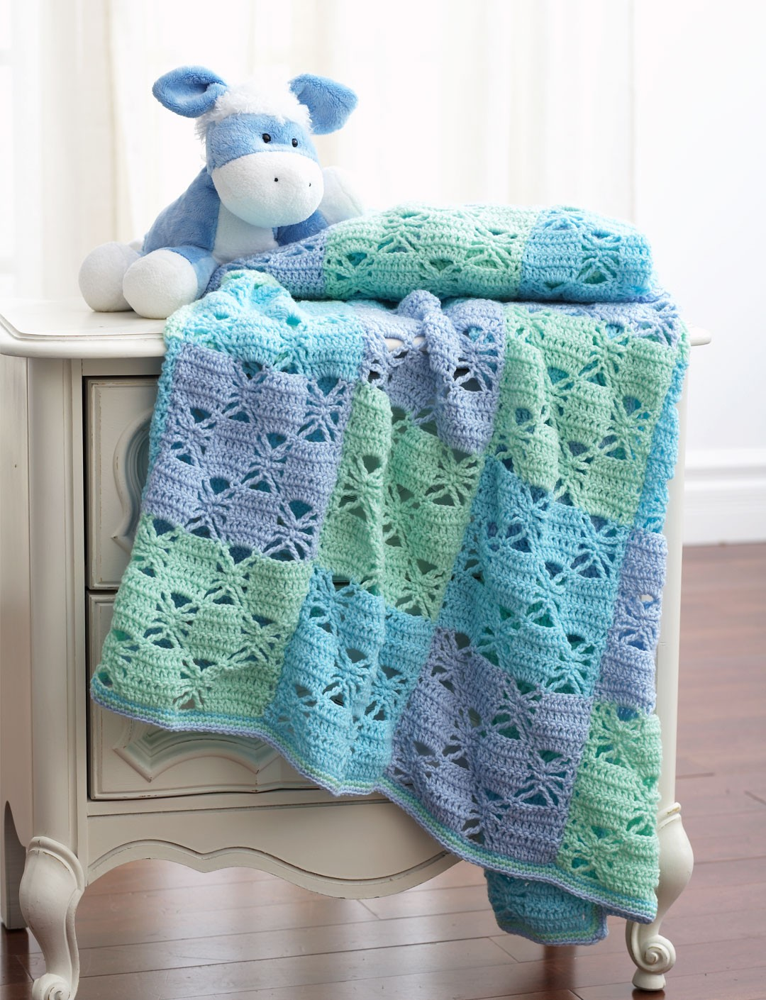 Knitting Patterns For Bernat Baby Sport Yarn : 3 Color Crochet Blanket - Patterns Yarnspirations