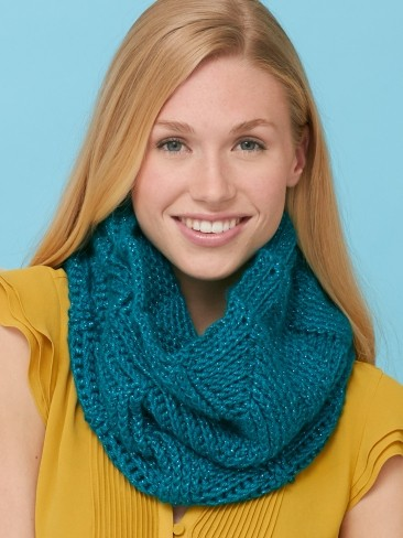 Twist 'n Shout Cowl