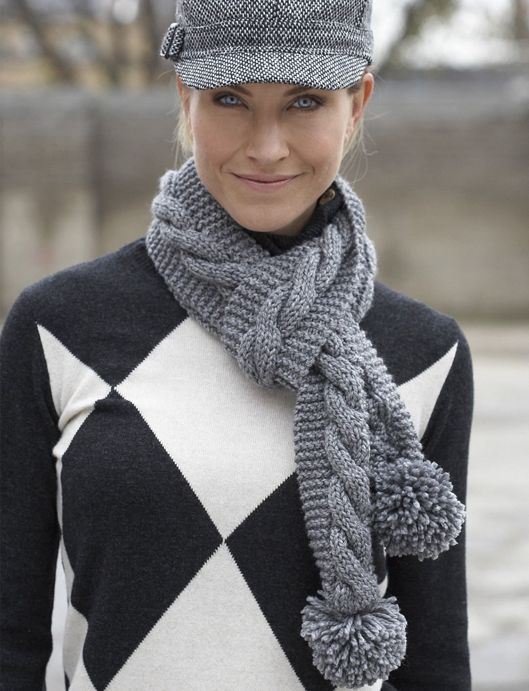 Simple Cable Scarf