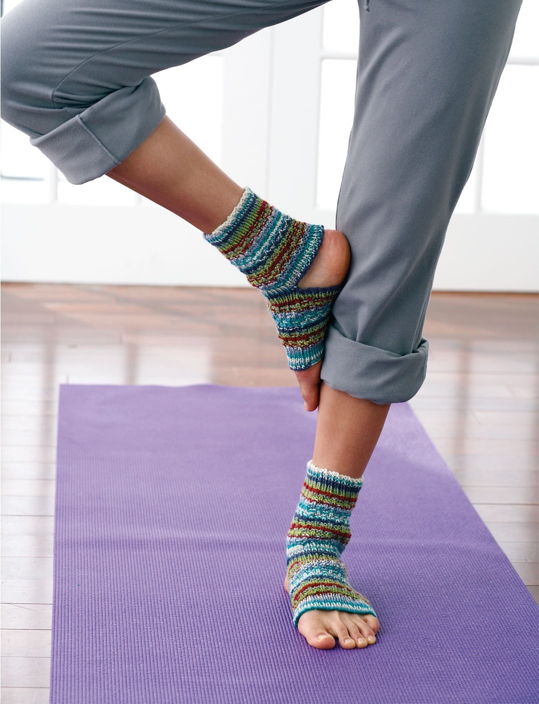 Easy Knitting Pattern For Yoga Socks : Yoga Socks - Patterns Yarnspirations