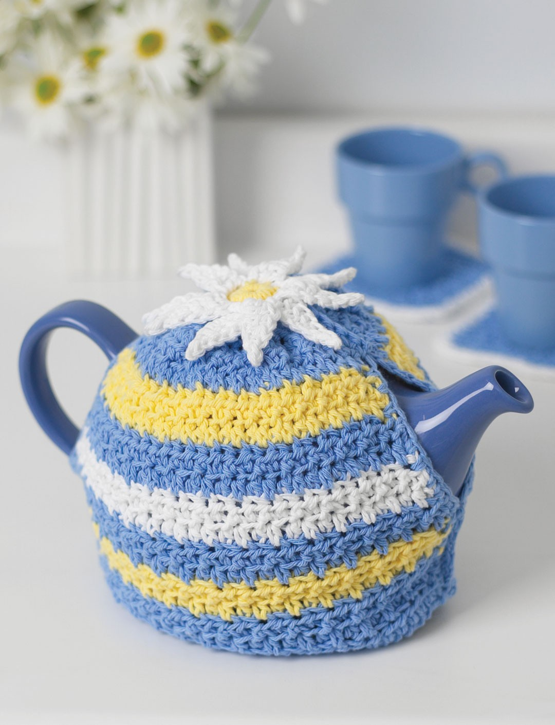 Free Tea Cosy Crochet Patterns Online : Daisy Motif Tea Cozy - Patterns Yarnspirations