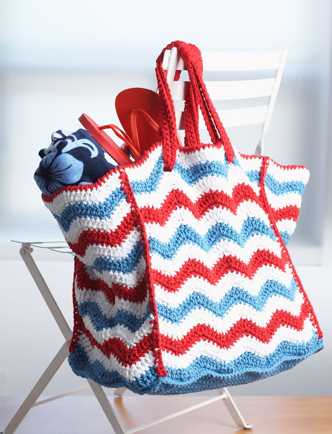 Womens bag purse crochet patterns yarnspirations 4th of july beach bag bankloansurffo Choice Image