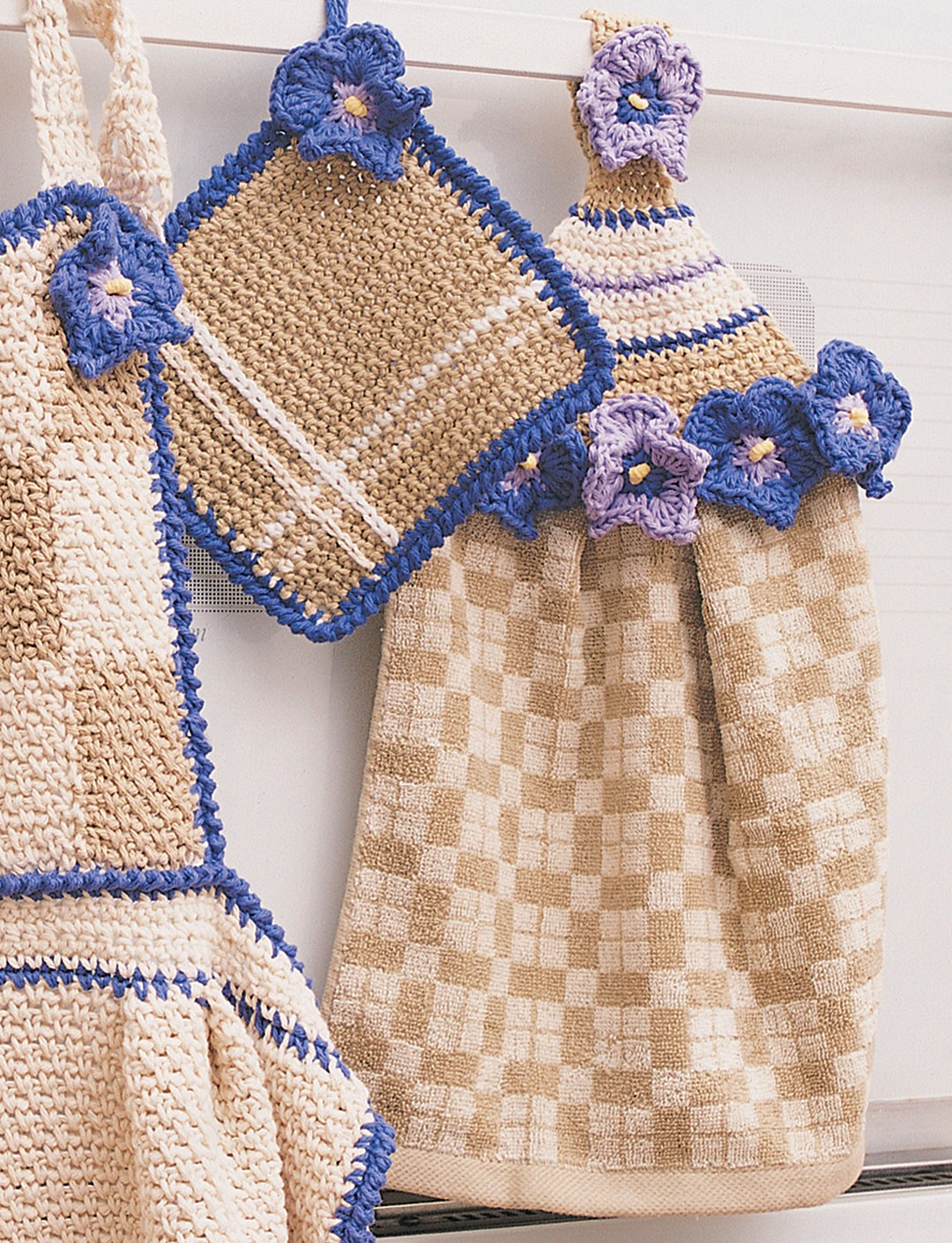 Free Crochet Patterns For Kitchen Towel Holders : Bernat Towel Topper & Pot Holder, Crochet Pattern ...