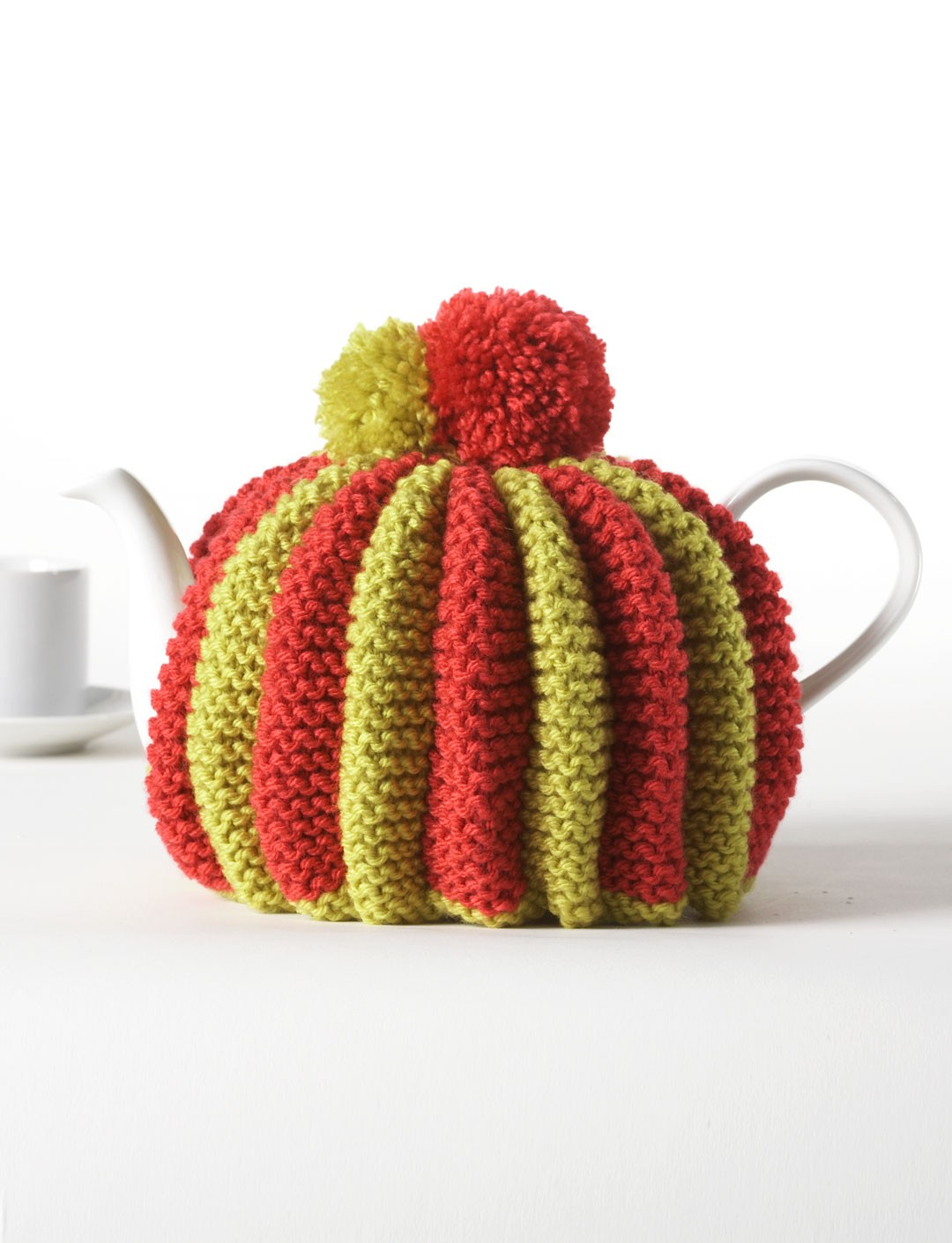 Knitted Teapot Cosy Patterns : Bernat Knitted Pleated Tea Cozy, Knit Pattern Yarnspirations