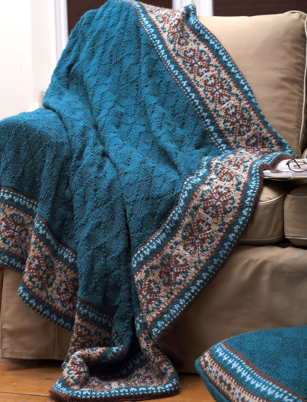 Knitted Baskets Free Patterns : Patons Fair Isle Border Blanket and Pillow, Knit Pattern Yarnspirations