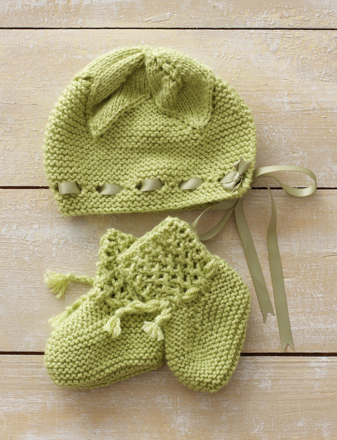 Knitting Patterns Leaf Lace : Bernat Leaf and Lace Set, Knit Pattern Yarnspirations