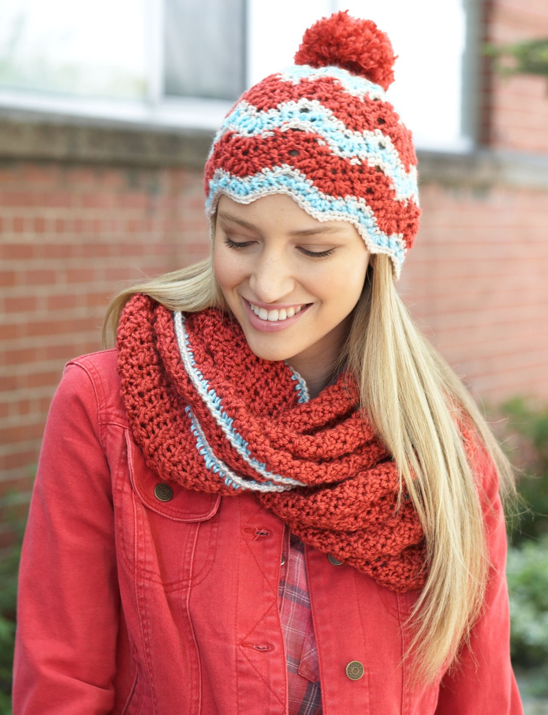 Bernat ripple hat and cowl set crochet pattern yarnspirations ripple hat and cowl set bankloansurffo Image collections