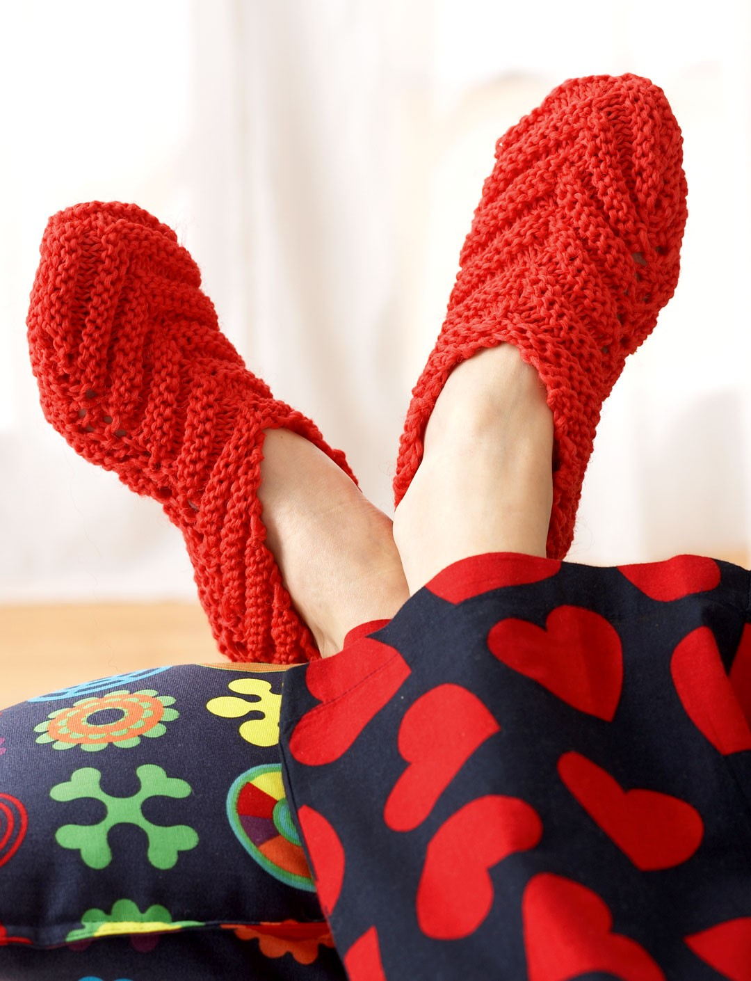 Bernat Chevron Slippers, Knit Pattern Yarnspirations