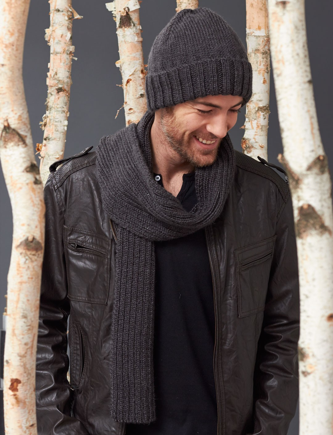Knitting Patterns Scarf And Hat : Caron Mens Basic Hat and Scarf Set, Knit Pattern Yarnspirations