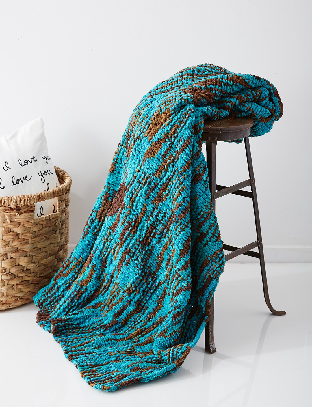 Bernat Big Basketweave Blanket, Knit Pattern Yarnspirations
