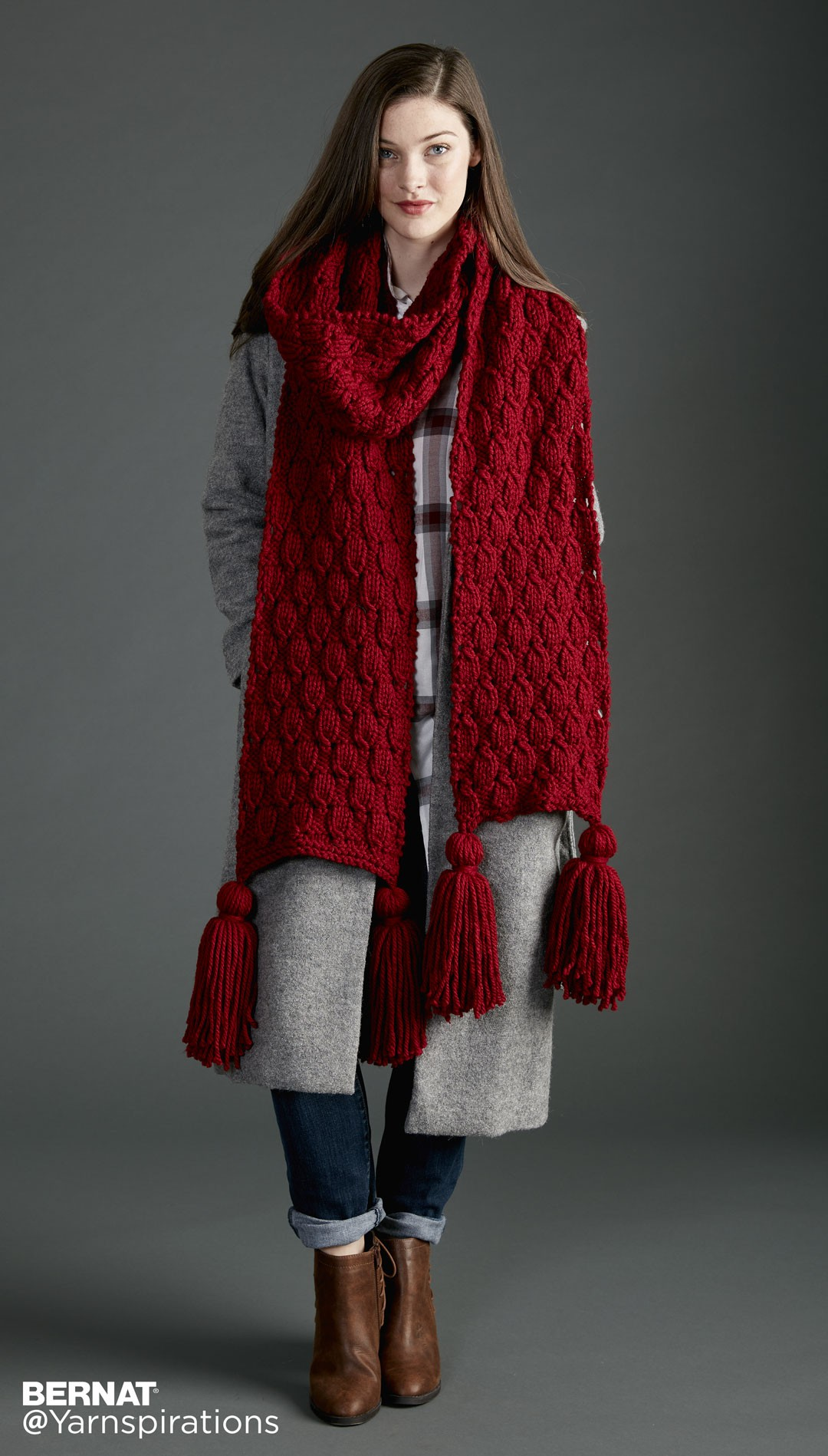 Knitting Pattern Big Scarf : Bernat Make It Big Knit Super Scarf, Knit Pattern ...