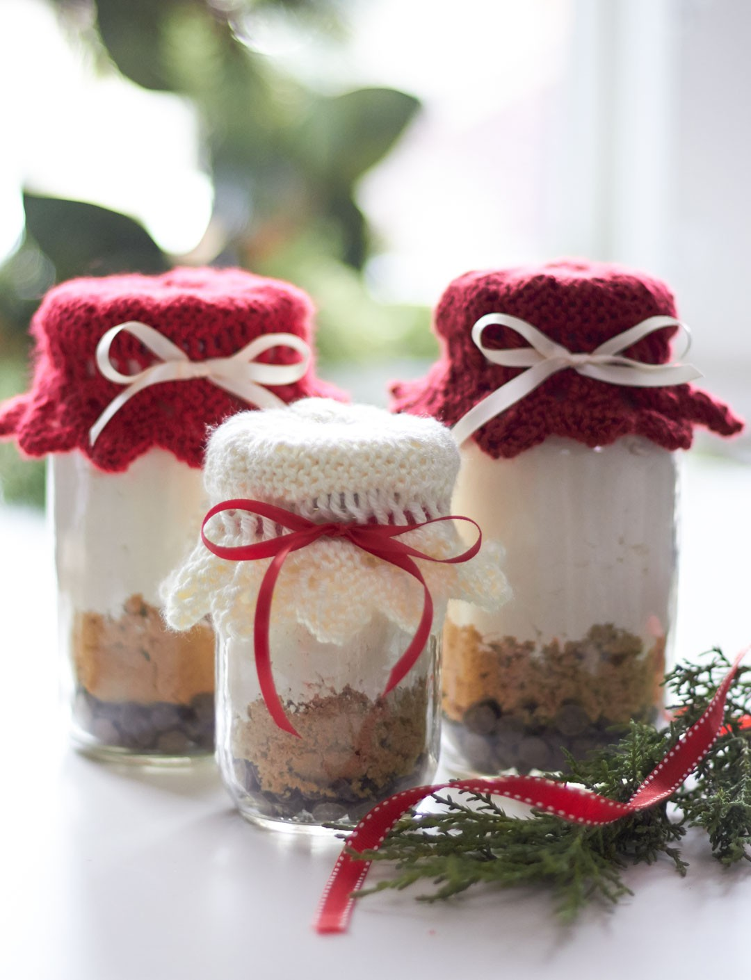 Free Knitting Pattern Gift Ideas : Caron Gift Jar Toppers, Knit Pattern Yarnspirations