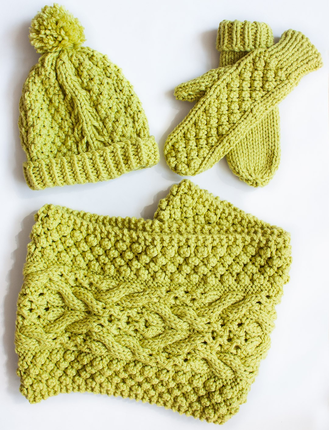 Bernat Knitting Patterns Free : Bernat Chill Chaser Set (Hat, Mittens, Cowl), Knit Pattern Yarnspirations