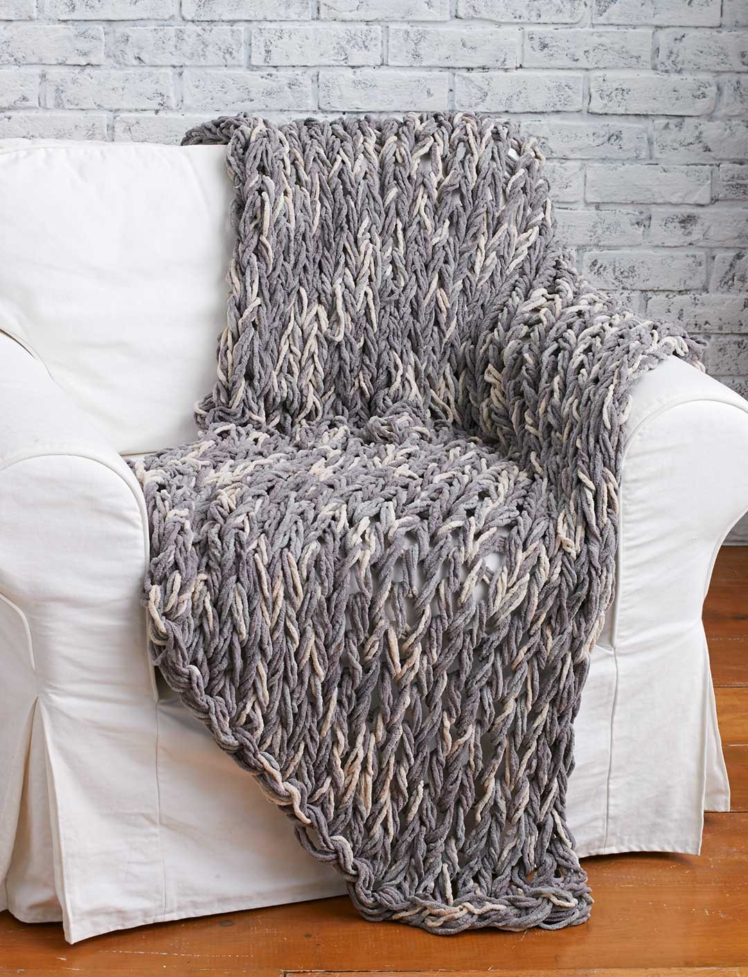 Bernat Arm Knit 3-Hour Blanket, Arm Knit Pattern ...