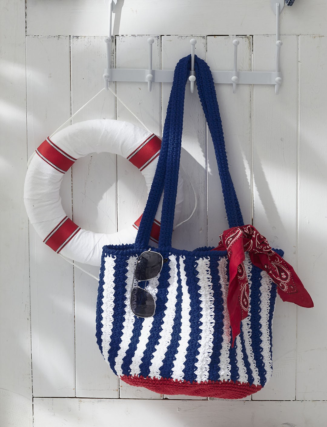 Womens bag purse crochet patterns yarnspirations nautical striped bag bankloansurffo Image collections