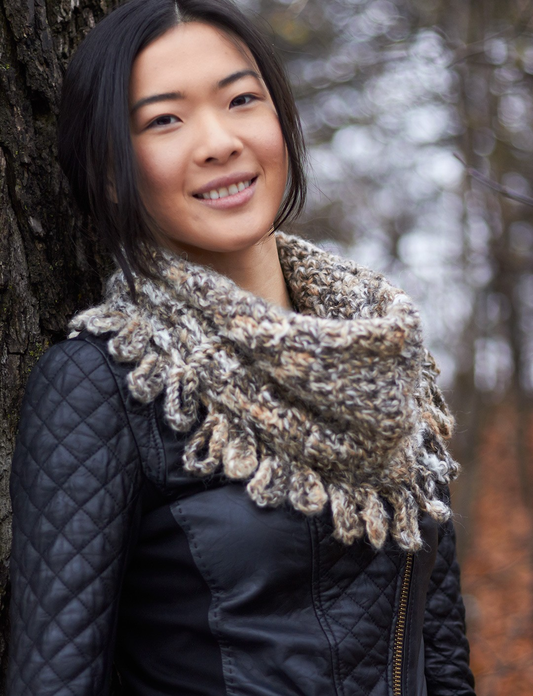 Free Crochet Pattern Fringed Cowl : Patons Loopy Fringe Cowl, Crochet Pattern Yarnspirations