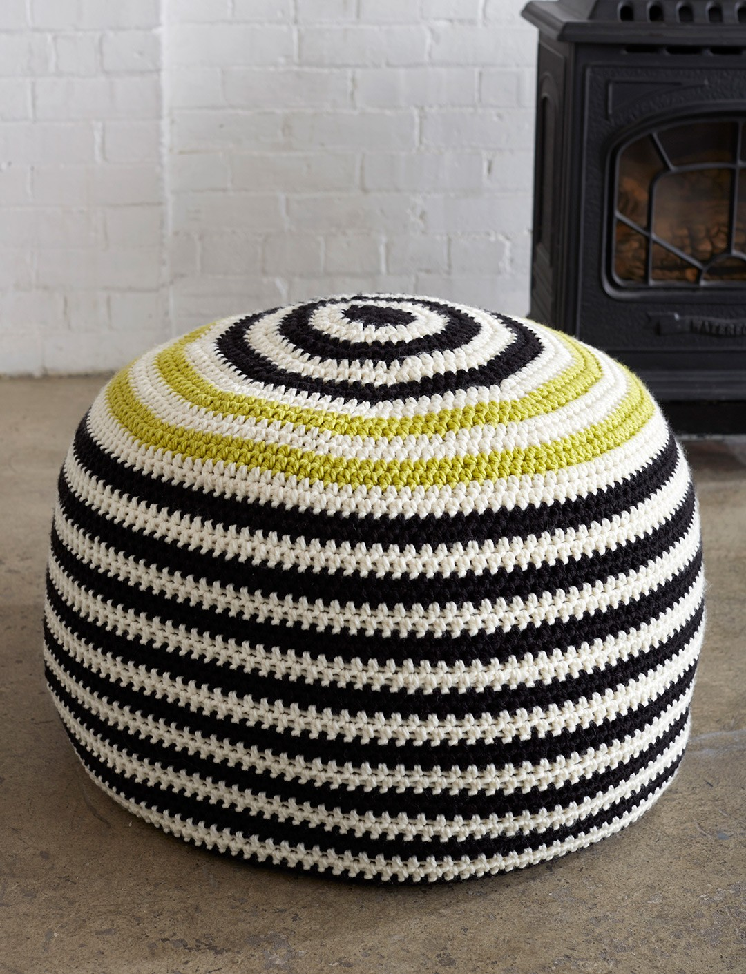 Knitted Ribbing Patterns : Bernat Graphic Stripes Pouf, Crochet Pattern Yarnspirations