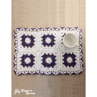 Lacy Flower Placemat